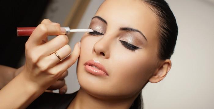 Put make up on