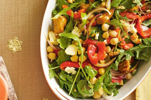 Chicken Rocket and Chickpea Salad