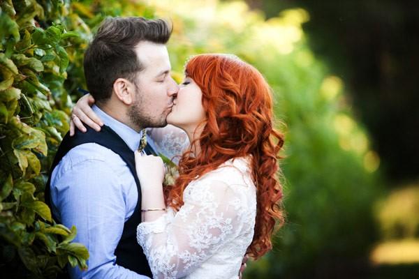 https://www.inspiringwomen.co.za/wp-content/uploads/2014/10/kiss-7.jpg